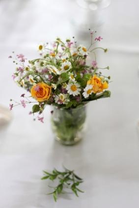 Demo und Blumen am Hochzeitstag