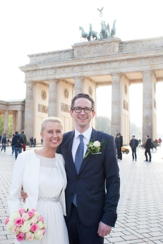Brautpaar am Brandenburgertor in Berlin
