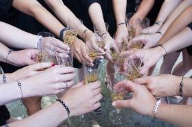 JGA Sektempfang mit allen Freundinnen